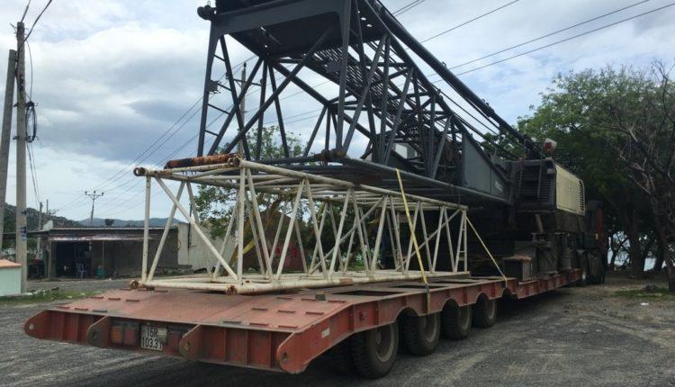 Vận chuyển cẩu bánh xích 100 tấn Nghệ An – Bình Thuận
